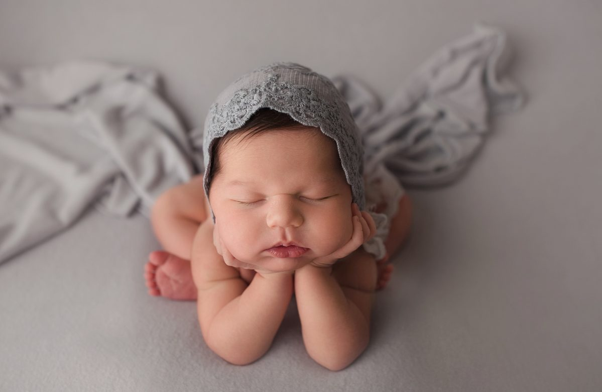 NEWBORN BABY GIRL | HAIR ENVY | ORLANDO FL OVIEDO NEWBORN PHOTOGRAPHER | MICHELLE SPERRY PHOTOGRAPHY