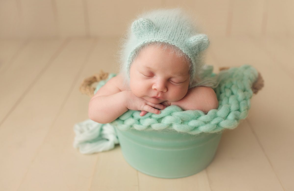 NEWBORN BABY GIRL | HURRICANE EVACUEE | ORLANDO FL LAKE NONA NEWBORN PHOTOGRAPHER | MICHELLE SPERRY PHOTOGRAPHY