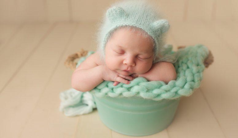 NEWBORN BABY GIRL | HURRICANE EVACUEE | ORLANDO FL LAKE NONA NEWBORN PHOTOGRAPHER | MICHELLE SPERRY PHOTOGRAPHY